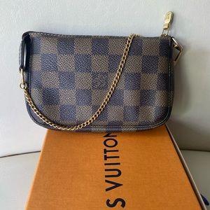 🎉Louis Vuitton damier Ebene mini Pochette